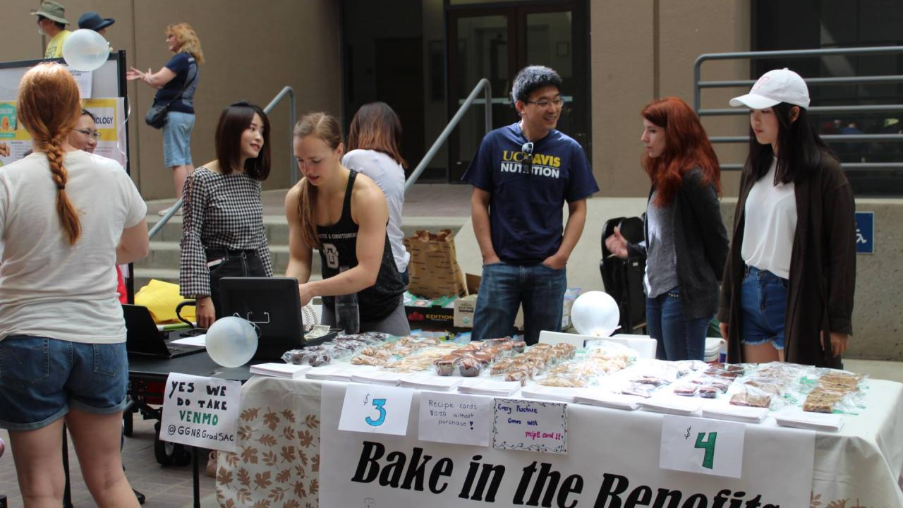 GradSac Bake Sale Picnic Day